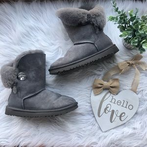 UGG Gray Bailey Crystal Button Bling Boots 8 Euc
